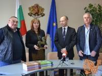 18.12.2013 - Златният лъв за събраните произведения на Чудомир е в Казанлък